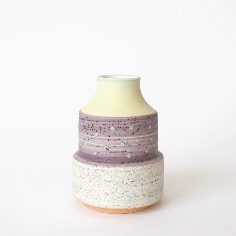 a_mano-ben_fiess-ceramic-clay-pottery-porcelain-vase-bud_vase-_handmade-1.1