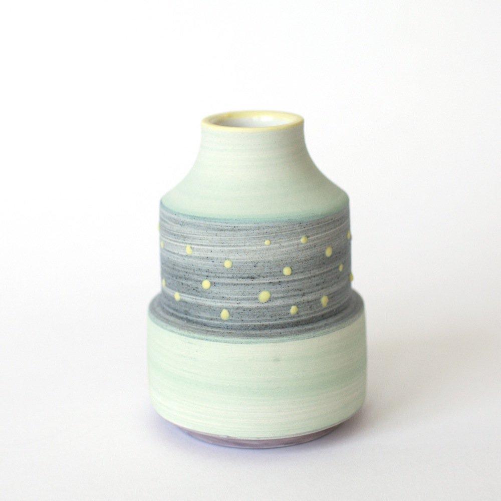 a_mano-ben_fiess-ceramic-clay-pottery-porcelain-vase-bud_vase-_handmade-3.1