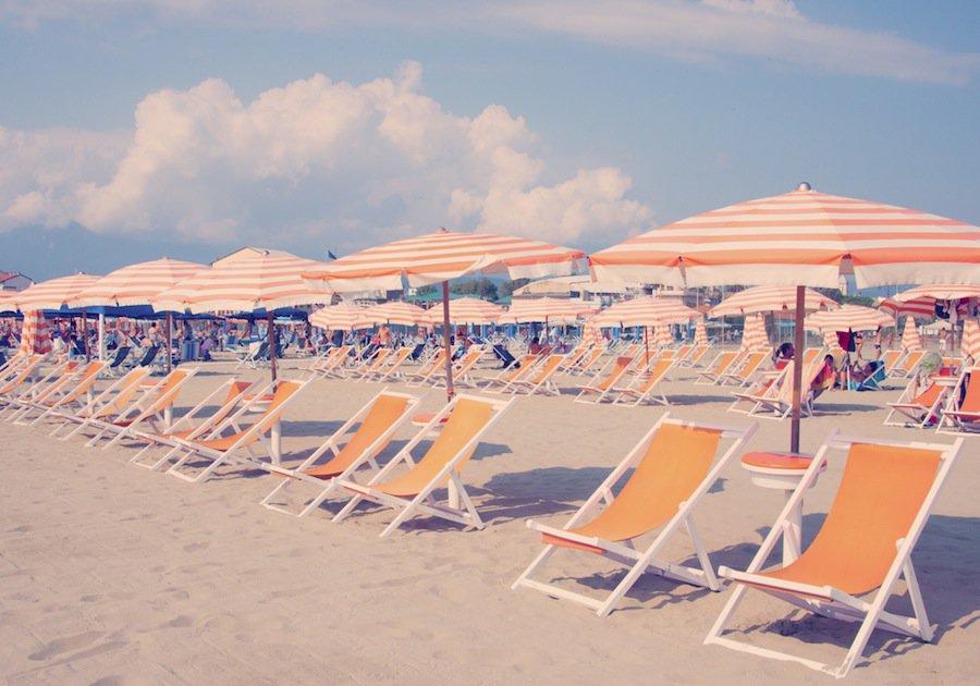 viareggio-orange-chairs