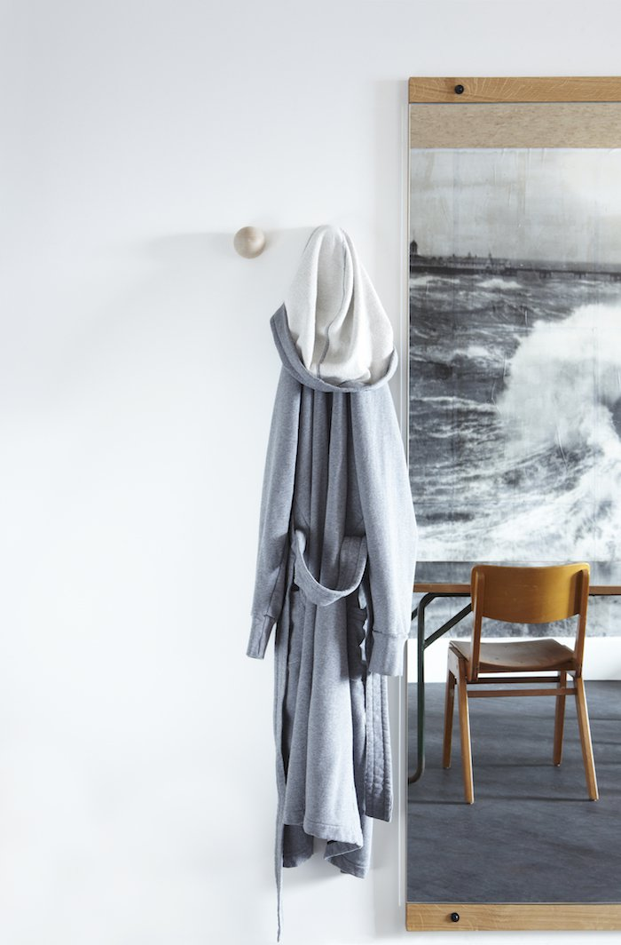 ldn_in_room_robe-2