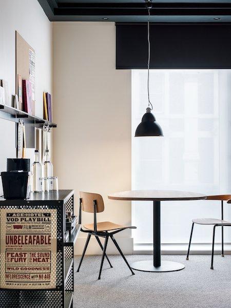 ldn_room_table