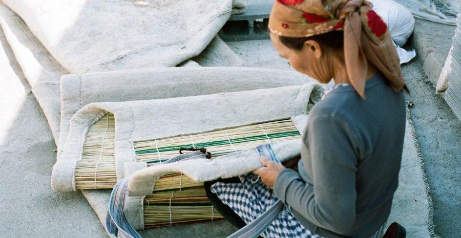 24 heures chez les fabricants de yourtes kirghizes